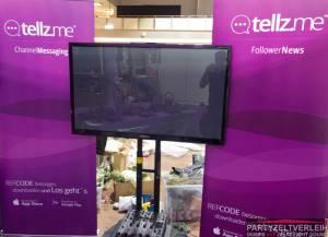 55 Zoll Samsung LED TV UE55F8090 mit mobilem TV-Ständer bei Lieferung ebenerdig